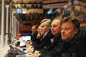 Speakern Kenth Larsson har en framträdande roll. Närmast kameran Björn Jansson och Peter Åström. Foto: GUN WIGH