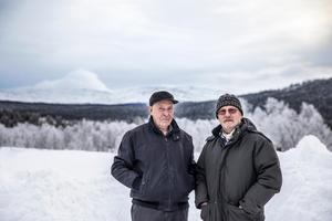 John-Erik Olofsson och Hans Ottendahl är två av fjällräddarna som deltog i räddningsarbetet för 40 år sedan. De minns fortfarande vissa scener i detalj.Fjällräddaren Per Jonasson från Vallbo deltog också i insatsen och är kvar i livet. Bortgångna är dock Per Gustav Persson från Vålådalen samt räddningspatrullens ledare Haldo Olofsson.
