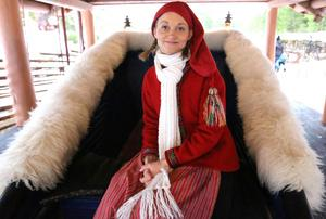 Maria Håkansson, Nisse-Mia, biträdande teaterchef och djuransvarig på Tomteland. Foto: