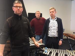 Jens Ander Glöde, Ronny Jansson och Mikael Nyvelius är anställda på Kulturskolan. De hoppas nu att skolnämnden fattar rätt beslut när sparförslaget läggs fram på tisdag.