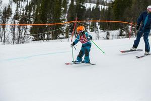 Axel Broström från Åre hade god fart under skidorna.