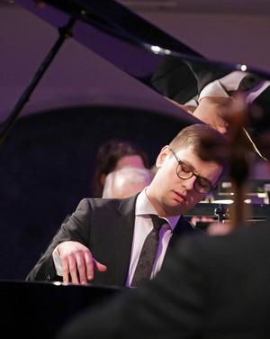 Pianisten Víkingur Olafsson är Vinterfests konstnärlige ledare. Han vill ha ett angeläget och aktuellt tema för festivalen.