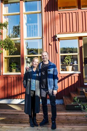 Anna-Karin Lundström Nordin och Fredrik Nordin flyttade in i huset förra sommaren.