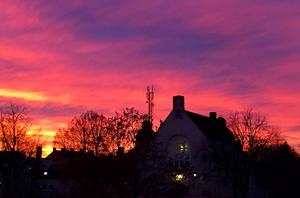 Årets första dag bjöd på en enastående solnedgång. Foto: Liselotte Eriksson