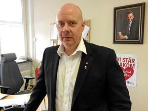 Vice kommunalrådet John Åbeg (S) tycker att det nya färdtjänstavtalet är bra.