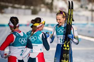 Stina Nilsson avslutade OS för svensk del när hon tog brons på tremilen. En medalj hon först inte uppfattat att hon tagit då hon trodde att hon var fyra i mål och missat att Teresa Stadlober kört bort sig tidigare under loppet. Bild: Carl Sandin/Bildbyrån
