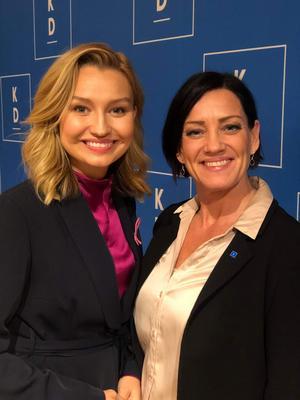Ebba Busch Thor och Lili André. Bild: Kristdemokraterna.