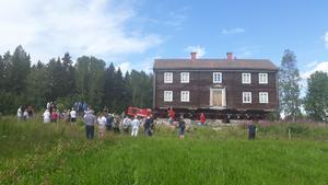 De sista metrarna innan Hembygdsgården är helt på plats. Foto: Birgitta Hallin Olsson