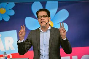 Jimmie Åkesson, SD:Han är påstridig, välklädd, framstår som väluppfostrad och har ett tydligt språk.