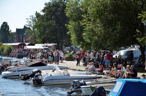 Totalt tävlar 32 personer i de fyra klasserna GT-30, GT-15, OSY 400 och classic på Norasjön. Publiken kommer kunna följa tävlingen allra bäst från strandpromenaden. Arkivfoto.