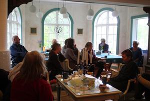 Sarah Mårskog berättar om sina erfarenheter av att bygga upp byn i Skogsnäs.