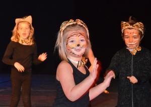 I Disneys historier finns det gott om djur. Här är det tigrar på dansgolvet.BILD: SAMUEL BORG