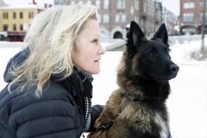 Birgitta Andersson med Nubbe, ÖstersundEn bekant hette Nubbe och vi tyckte det lät bra.Han är en Belgisk Vallhund av rasen Malinois.