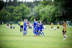 Näst bäst. Gulsvarts P98-or förlorade Azzcon cup-finalen mot Värmbols FF med 3–0. Foto: Martin Bohm