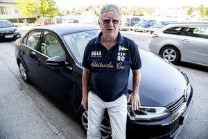 Hans Wikman har varit Volkswagen trogen i många. Nu funderar han på att byta till ett nytt bilmärke.