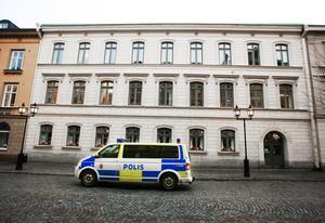 Örebro tingsrätt omvandlade den åtalade 41-åringens livstidsstraff.