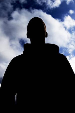 OROLIG. Efter misshandeln har Johan varit rädd och orolig och undviker att gå ut ensam.