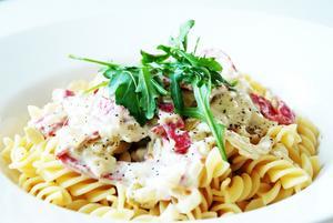 VARMRÄTT. Smakrik pastasås med en doft av Italien.