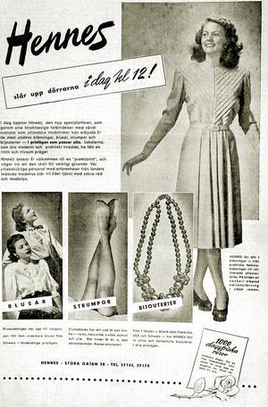 Så här såg den ut, annonsen som förkunnade att världens första Hennes-butik har öppnat i Västerås. Året är 1947.