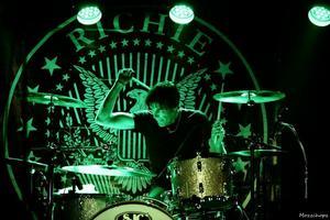 Richie Ramone.
