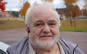 """Rolf Steinbach tycker att det är svårt att få kontakt med den """"lokala"""" polisen. Foto: Kent Olsson/DT"""