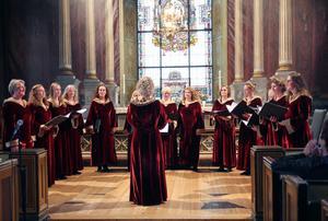 Nidarosdomens damkör Schola Sanctae Sinnivae från Trondheim gav den första konserten under Nordic Song Festival på fredagskvällen.