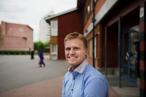 Fredrik Nordvall slutar som rektor på Vivallaskolan.