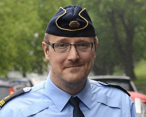 Mikael Ahrtzing, polis