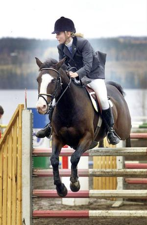 Julia Persson vid en tävling i Brunflo 2001.