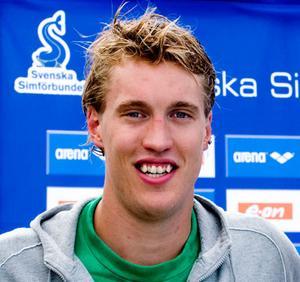 Mathias Kahlin hade hundradelarna på sin sida när han vann under sim-SM på söndagen.