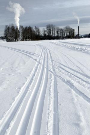 Nu går det att ta en skidtur mitt i Ljusdal. Skidspåret Kyrksjön runt mäter runt fyra kilometer.