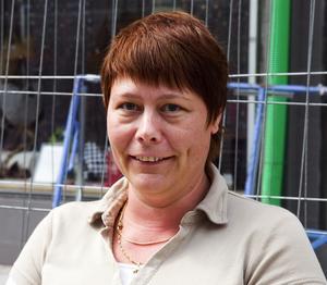 Maria Eriksson, 42, sjuksköterska, Borlänge – Ja, jag tycker att det är bra. Det drar uppmärksamhet till centrum, som håller på att dö ut annars.