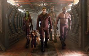 Zoe Saldana, tvättbjörnen Rocket (Bradley Cooper), Chris Pratt, Groot (Vin Diesel) och Dave Bautista i