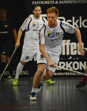 Christoffer Ekstrand är knäskadad.