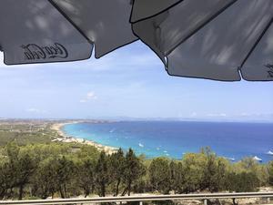 Utsikten från El Mirador över Formentera med Ibiza i bakgrunden är betagande.   Foto: Johan Croon/TT