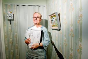 Monica Hansson Hedberg i Garphyttan har släktforskat och hittat sin farfar och därigenom massor av nya släktingar som hon nu har kontakt med.
