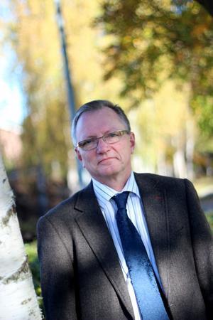 Sverige har varit ett föregångsland vad gäller miljö- och kemikaliepolitik men i dag gör vi inte tillräckligt, menar Åke Bergman, professor i miljökemi.