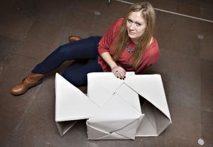 Ett soffbord inspirerat av origami som kan ändra storlek.