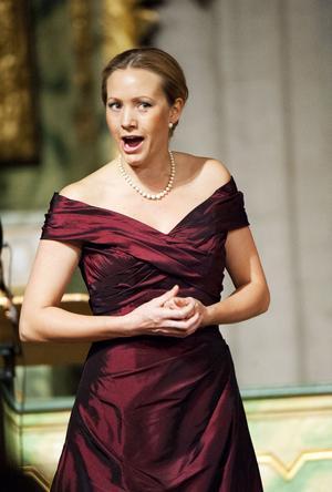 Hanna Husáhr inledde med en trio sånger av Edvard Grieg.