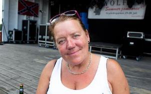 Carina Johansson, 54 år, Filipstad– Det är det bästa som har hänt. Det är toppen när man träffar folk som man har träffat här förut. Foto: Sofie Lind