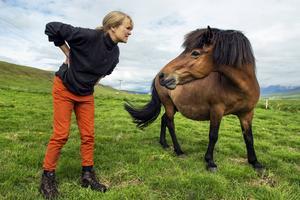 Thordis Alda Sigurdardottir driver hästuppfödning utanför Reykjavik och har djur på norra delen av ön.   Foto: Nicklas Elmrin