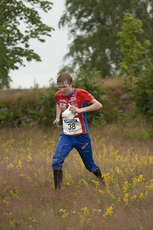 Jerker Lysell jagar vidare i tirsdagens SM-sprint.
