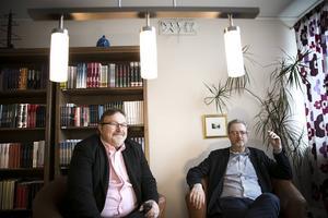 Alf Linder och Magnus Breitenstein berättar om åtta års utveklingsjobb och som gör det möjligt att trycka billigare småupplagor.