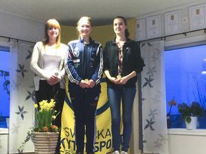 Rebecka Andersson fick ställa sig högst upp på prispallen vid sin SM-debut i pistol.