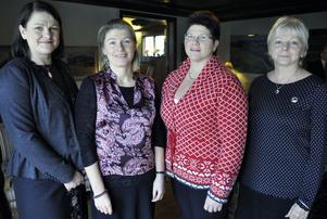 Uppvaktade för 25 år i tjänst är Caroline Bergkvist, Maria Simonsen, Annica Lius och Stina Ilis. Saknas på bilden gör Marleen Backlund som inte kunde närvara.