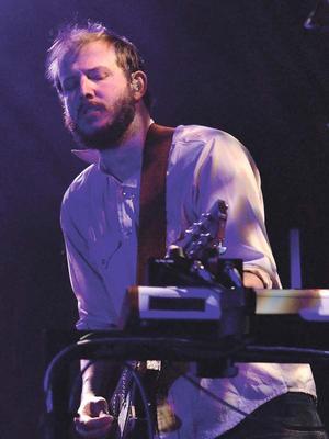 Bon Iver släppte självbebetitlat album och låten Michicant.