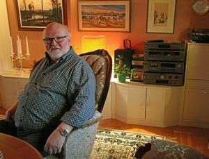 Torkel Selin har många resdagar men trivs bäst hemma i villan på Stenhammar.