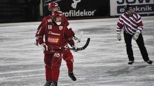 Joakim Hedberg gjorde tre av Söråker Bandys fyra mål i matchen.
