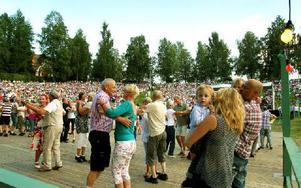 Andra tog sig en svängom. Foto: Jennie-Lie Kjörnsberg