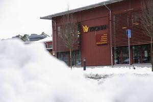 Snart fem månader efter attentatet har verksamheten återgått till det normala på Kronans skola i Trollhättan. Fortfarande dock ständigt med väktare närvarande.